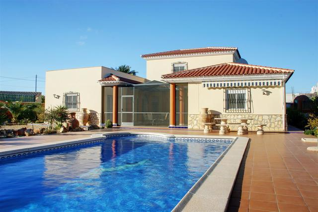 SPA2: Villa for Sale in La Alfoquia, Almería